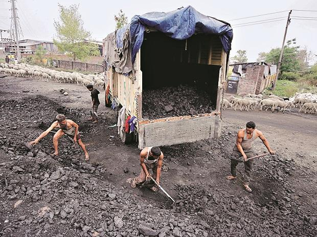 Meghalaya fined Rs 100 cr for illegal coal mining_40.1