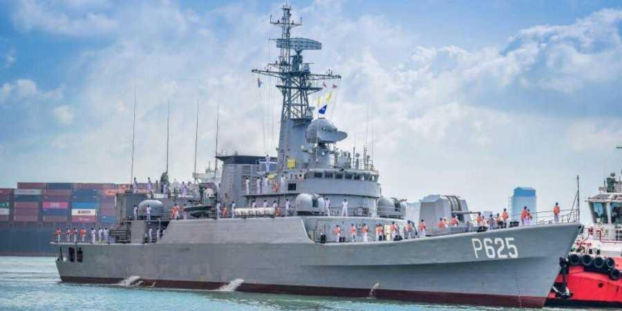 China gifts warship 'P625' to Sri Lanka_40.1