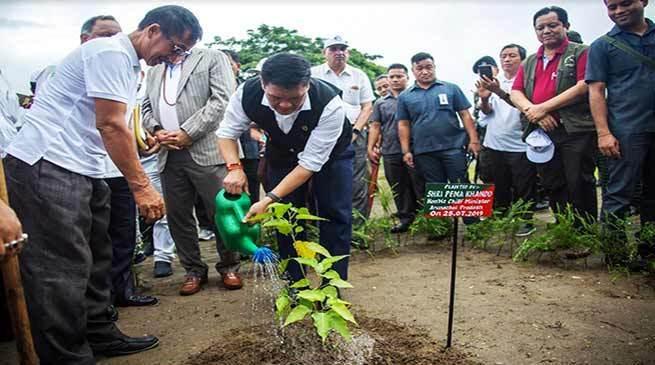 Arunachal CM launches tree plantation programme_40.1