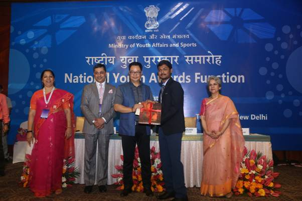 National Youth Awards conferred for development and social service work_40.1