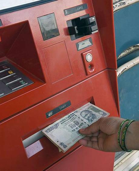 RBI clarifies rules on 'free ATM transactions'_40.1