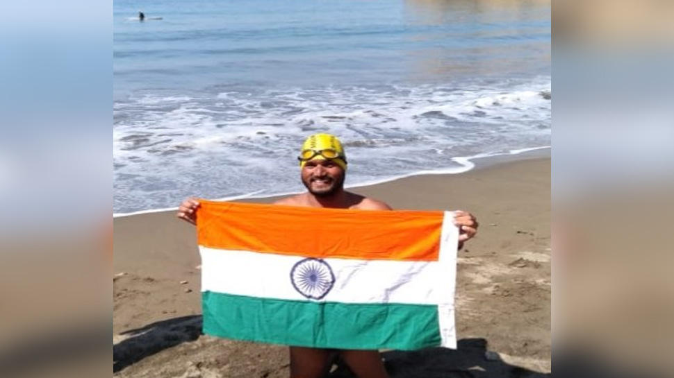 Para swimmer Satendra Singh Lohia crosses America's Catalina Channel_40.1