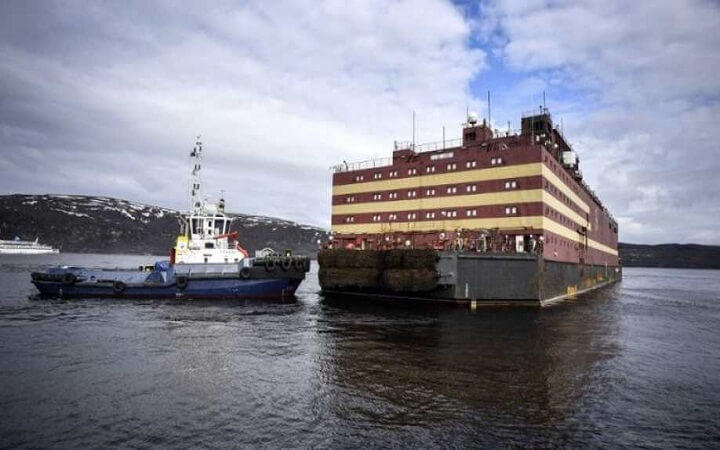 Russia launches floating nuclear reactor in Arctic_40.1