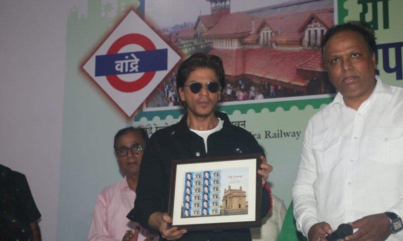 SRK launches heritage postal stamp of Bandra station_40.1