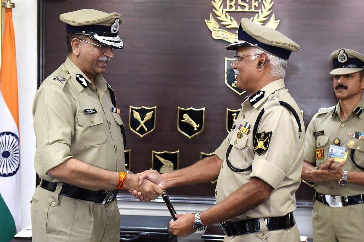 IPS Vivek Kumar Johri takes charge as BSF DG_40.1