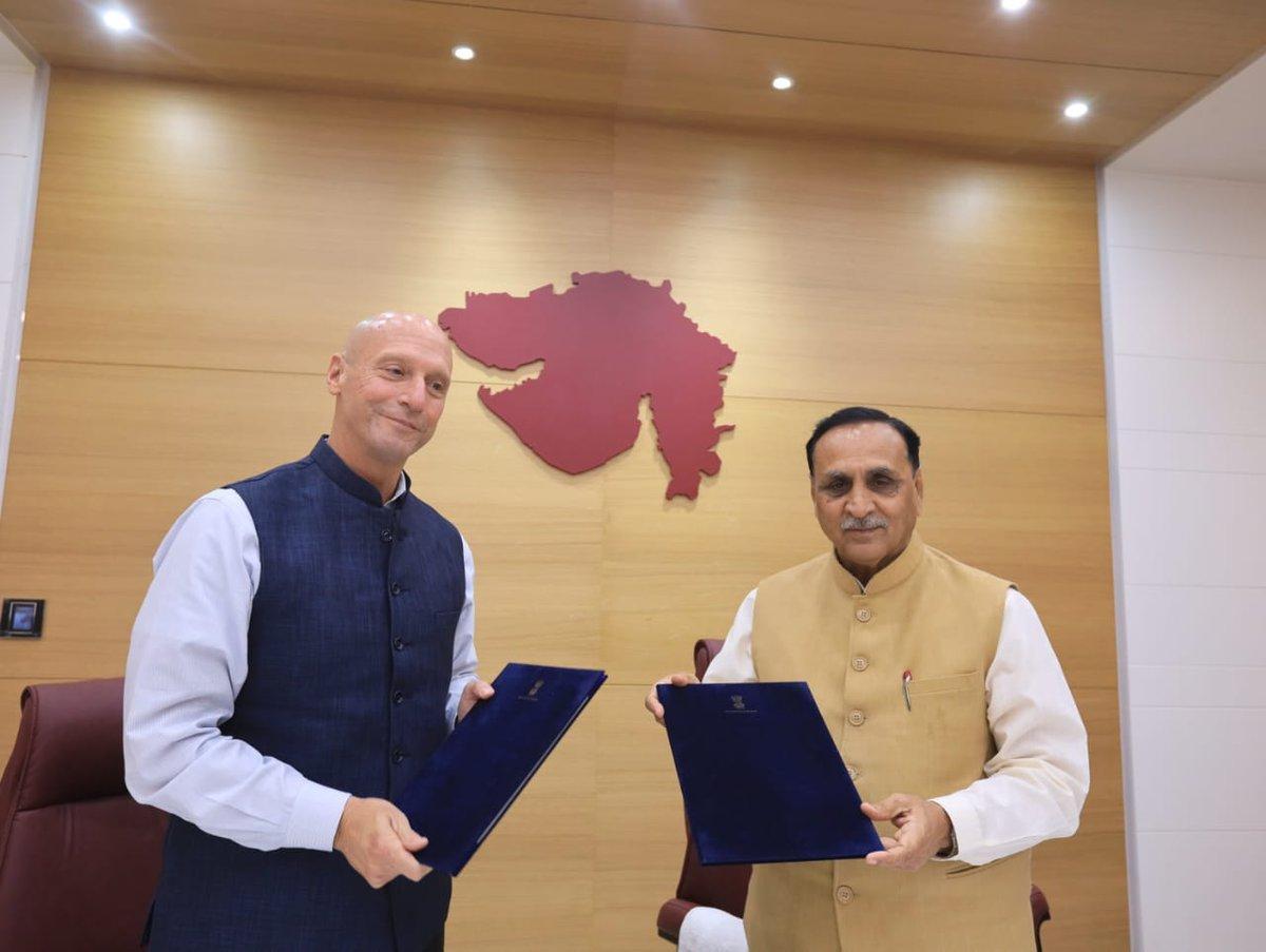 Gujarat Govt, Delaware State of America sign MoU for sister state_40.1