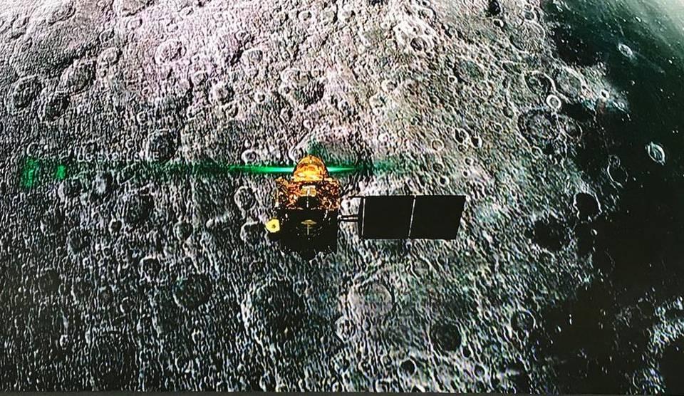 "ISRO loses contact with Moon lander ""Vikram""_40.1"