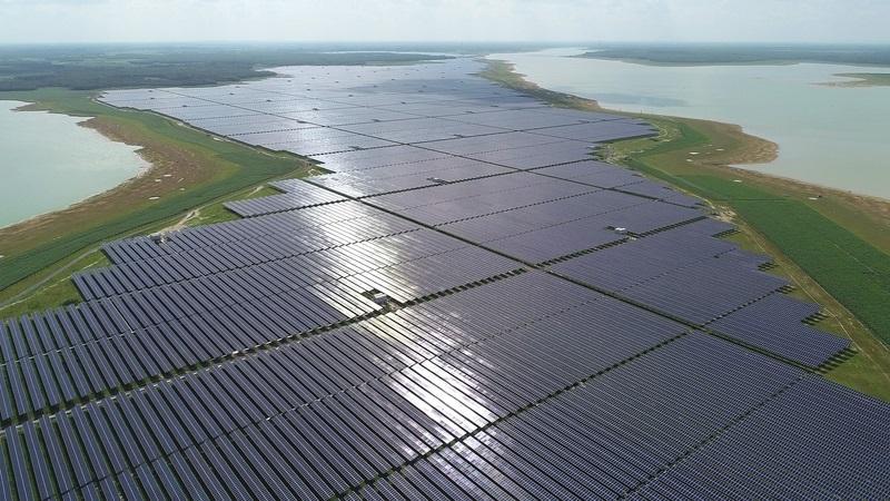 Vietnam opens Southeast Asia's largest solar power farm_40.1