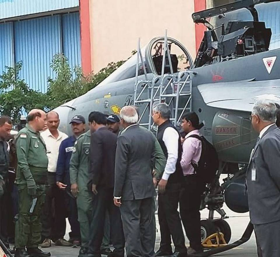 Rajnath Singh becomes 1st Defence Minister to fly in LCA Tejas_40.1
