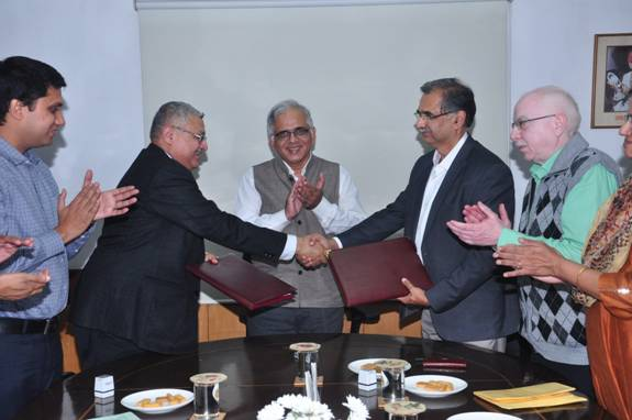 CSIR-IMTECH signs MOU with IIT Bombay for collaborative research_40.1