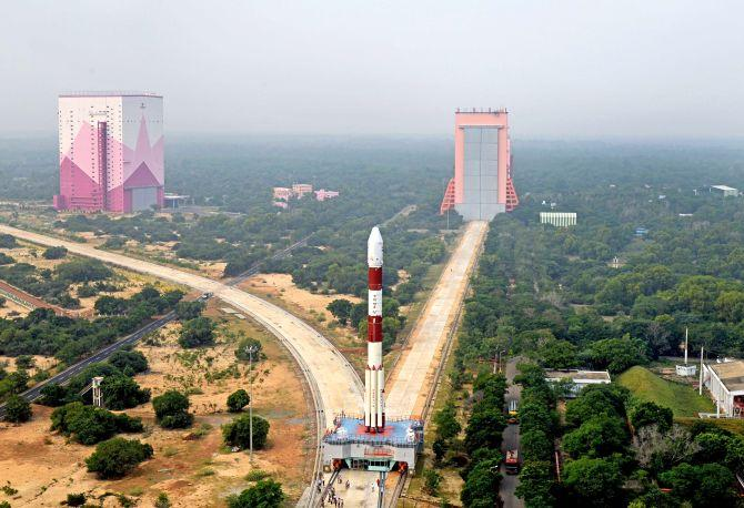 ISRO Launches CARTOSAT-3_40.1