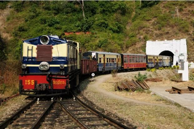 Indian railway launches 'Him Darshan Express'_40.1