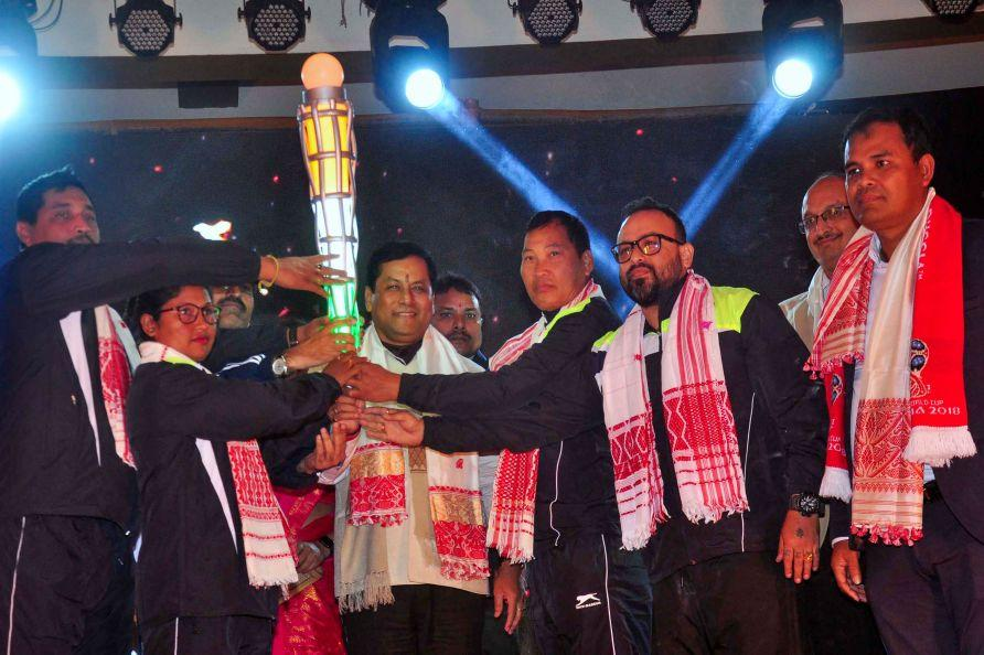 Sarbananda Sonowal launches torch relay of Khelo India Youth Games_40.1