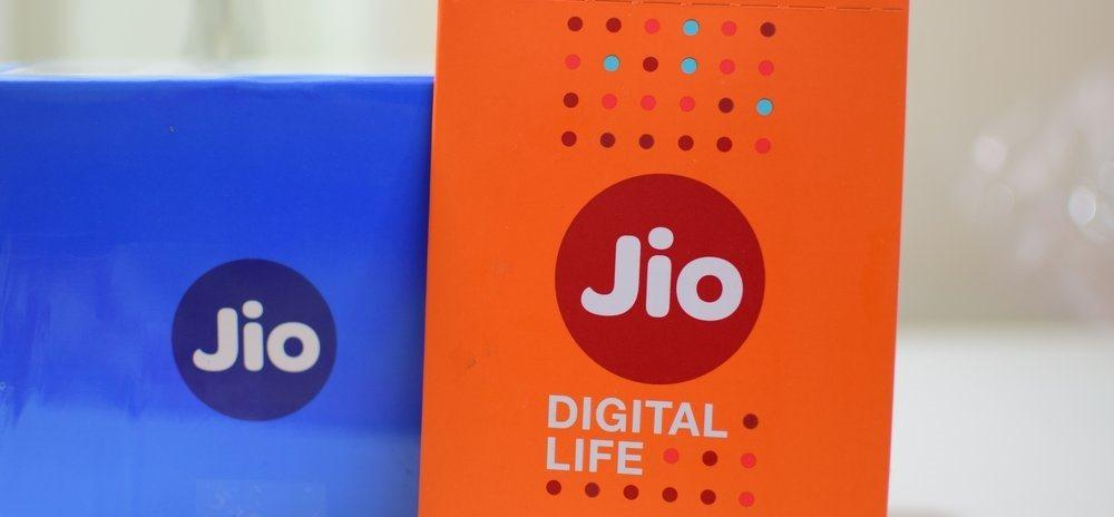 Reliance Jio becomes 1st Telecom to launch UPI Payments Feature_40.1