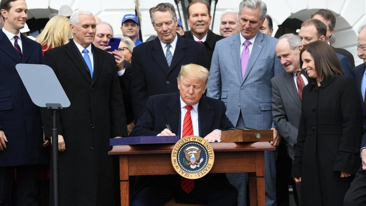 President Trump inks USMCA North American trade deal_40.1