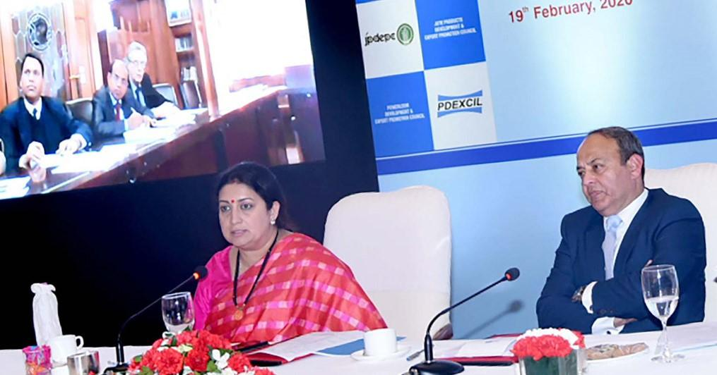 New Delhi hosts Symposium on Emerging Opportunities for Indian Textiles and Crafts_40.1