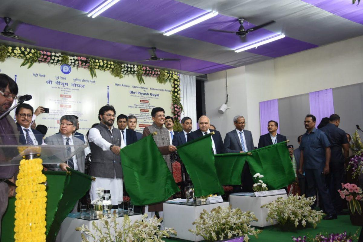 Piyush Goyal inaugurates Kolkata's East-West Metro line_40.1