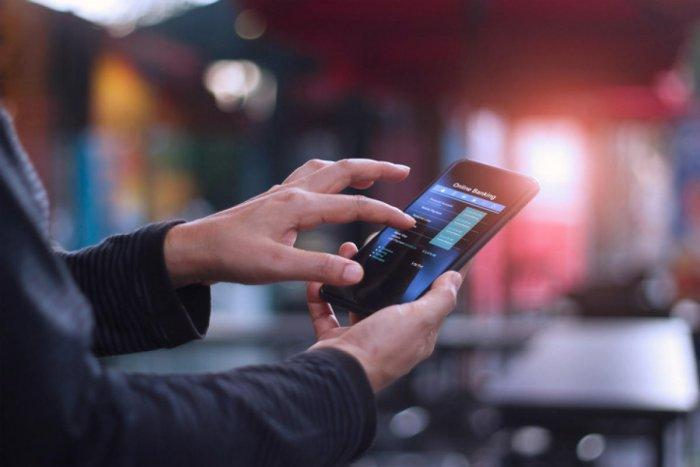 Pinarayi Vijayan launches ''Yodhavu'' mobile app to combat drug menace_40.1
