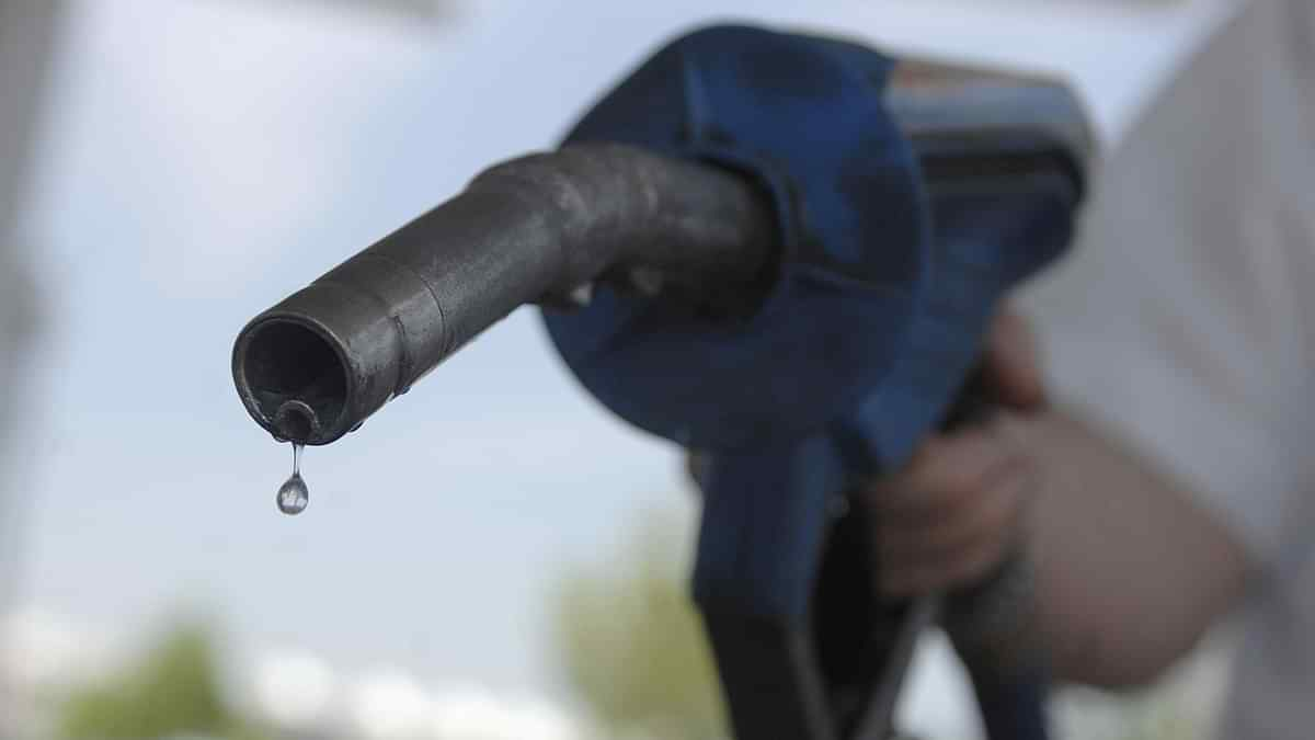 IOC becomes 1st company to begin supply of BS-VI fuel across India_40.1