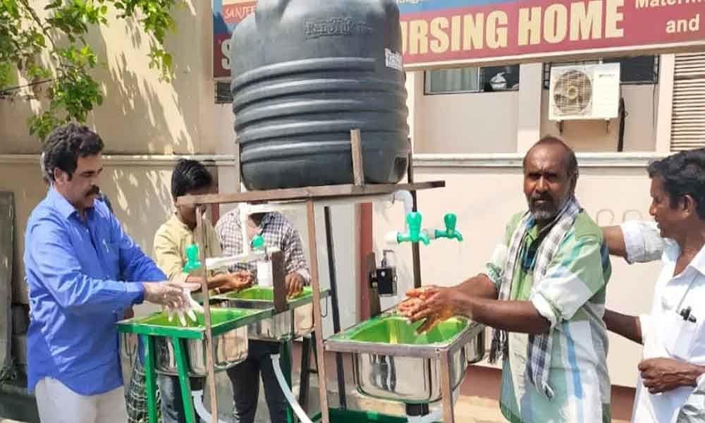 Andhra Pradesh govt sets up Mobile Hand-wash facilities_40.1