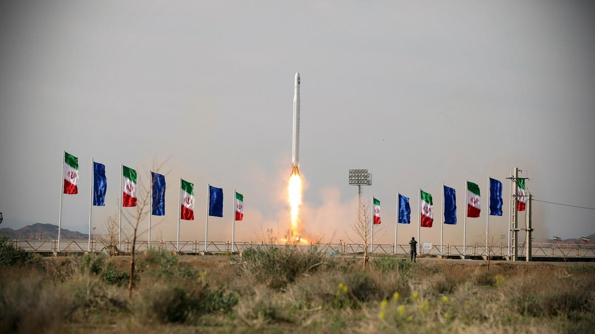 "Iran launches its 1st military satellite ""Noor"" into orbit_40.1"