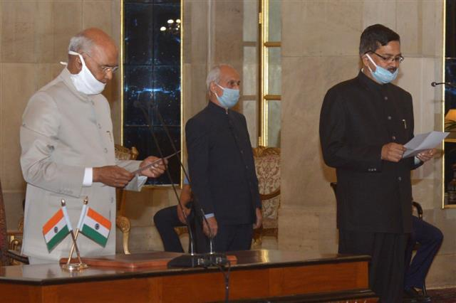 Sanjay Kothari takes oath as Central Vigilance Commissioner_40.1