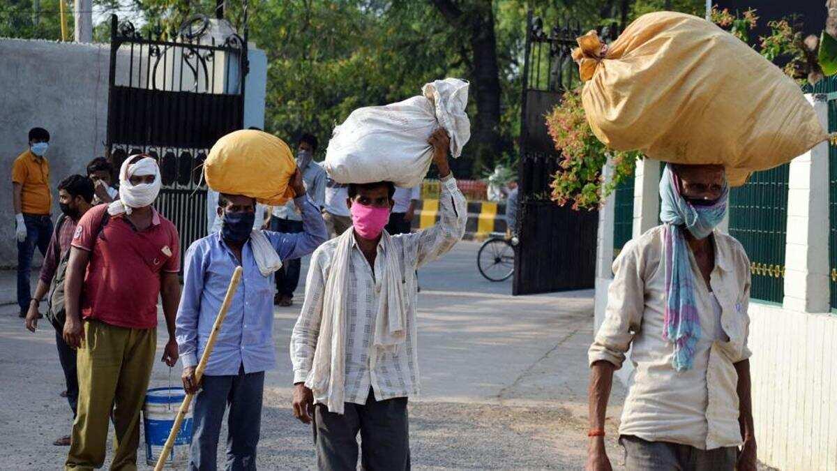 "Madhya Pradesh launches ""Charan Paduka"" campaign for migrant labourers_40.1"