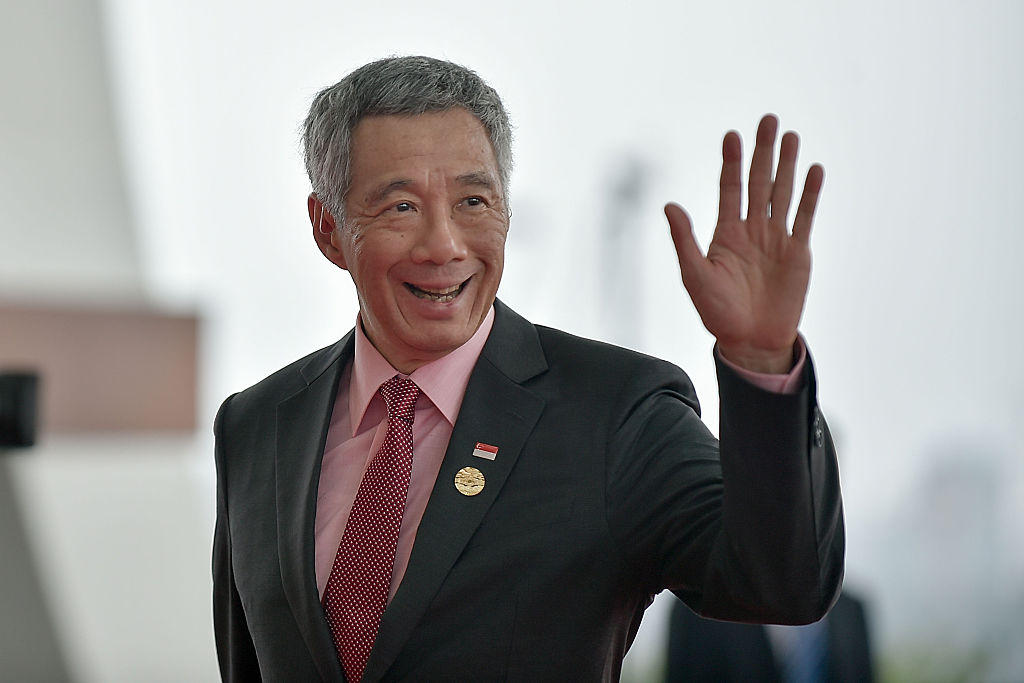 Lee Hsien Loong becomes Prime Minister of Singapore_40.1