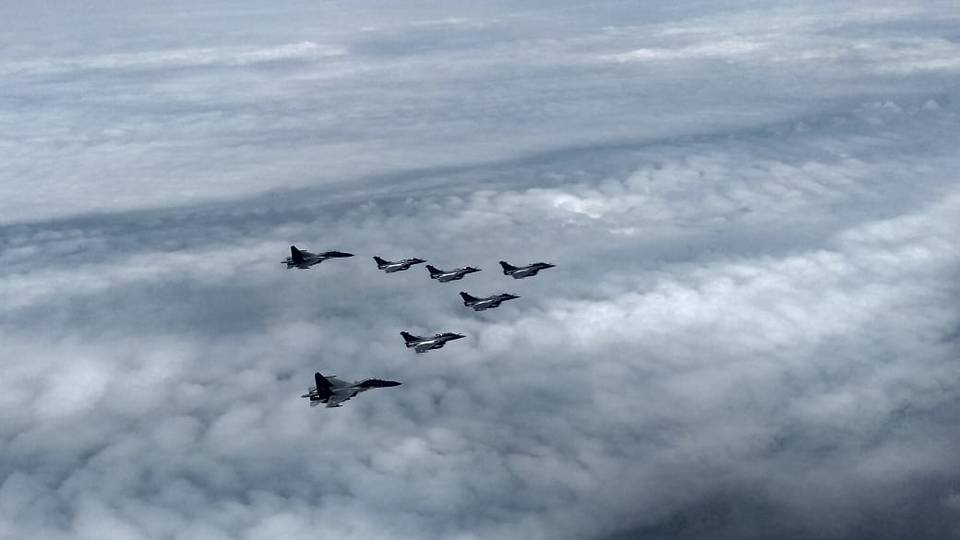 Fleet of 5 Rafale multi-role combat jets arrived in India_40.1