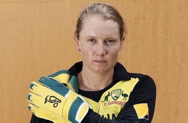 Alyssa Healy breaks MS Dhoni's wicketkeeping record in T20Is_40.1