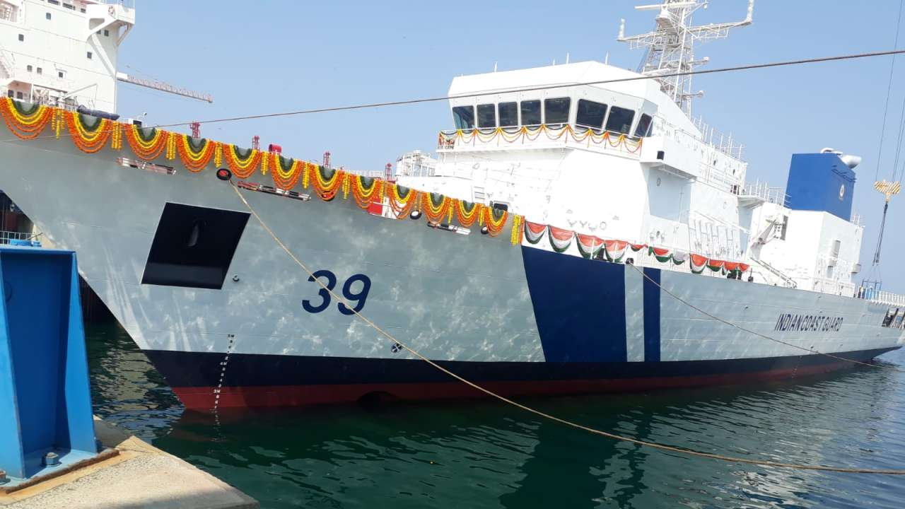 Indian Coast Guard 7th Offshore Patrol Vessel 'Vigraha' launched_40.1