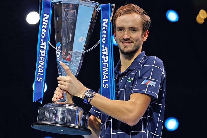 Daniil Medvedev beat Dominic Thiem to win ATP Tour 2020_40.1