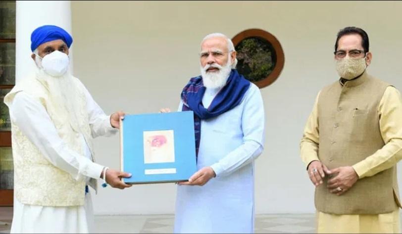 PM Modi releases book on the Life of Sri Guru Nanak Dev ji_40.1