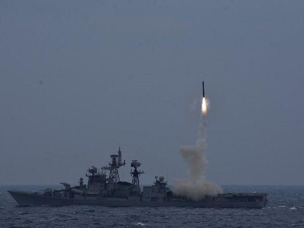Indian Army successfully testfires Anti-Ship version of BrahMos missile_40.1