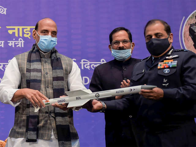 Rajnath Singh hands over high-tech systems to chiefs of 3 armed forces_40.1