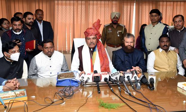 Vijay Sampla takes charge as Chairman of National Commission for SC_40.1
