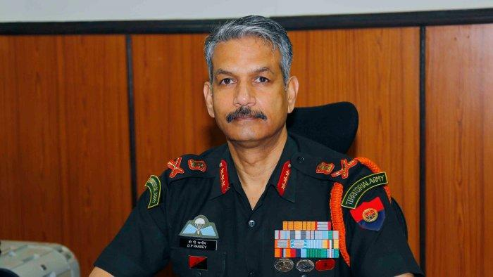 Lt Gen DP Pandey takes over as new commander of 15-Corps_40.1