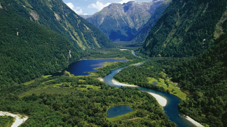 New Zealand Makes World's 1st Climate Change Law For Financial Firms_40.1