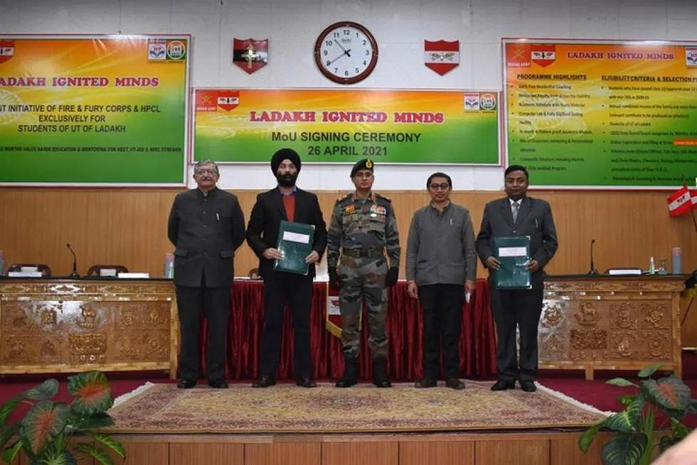 Indian Army signs MoU with HPCL & NIEDO for Ladakh Ignited Minds project | ভারতীয় সেনাবাহিনী লাদাখ ইগনিটেড মাইন্ডস প্রকল্পের জন্য HPCL এবং NIEDO সাথে মউ স্বাক্ষর করেছে_40.1