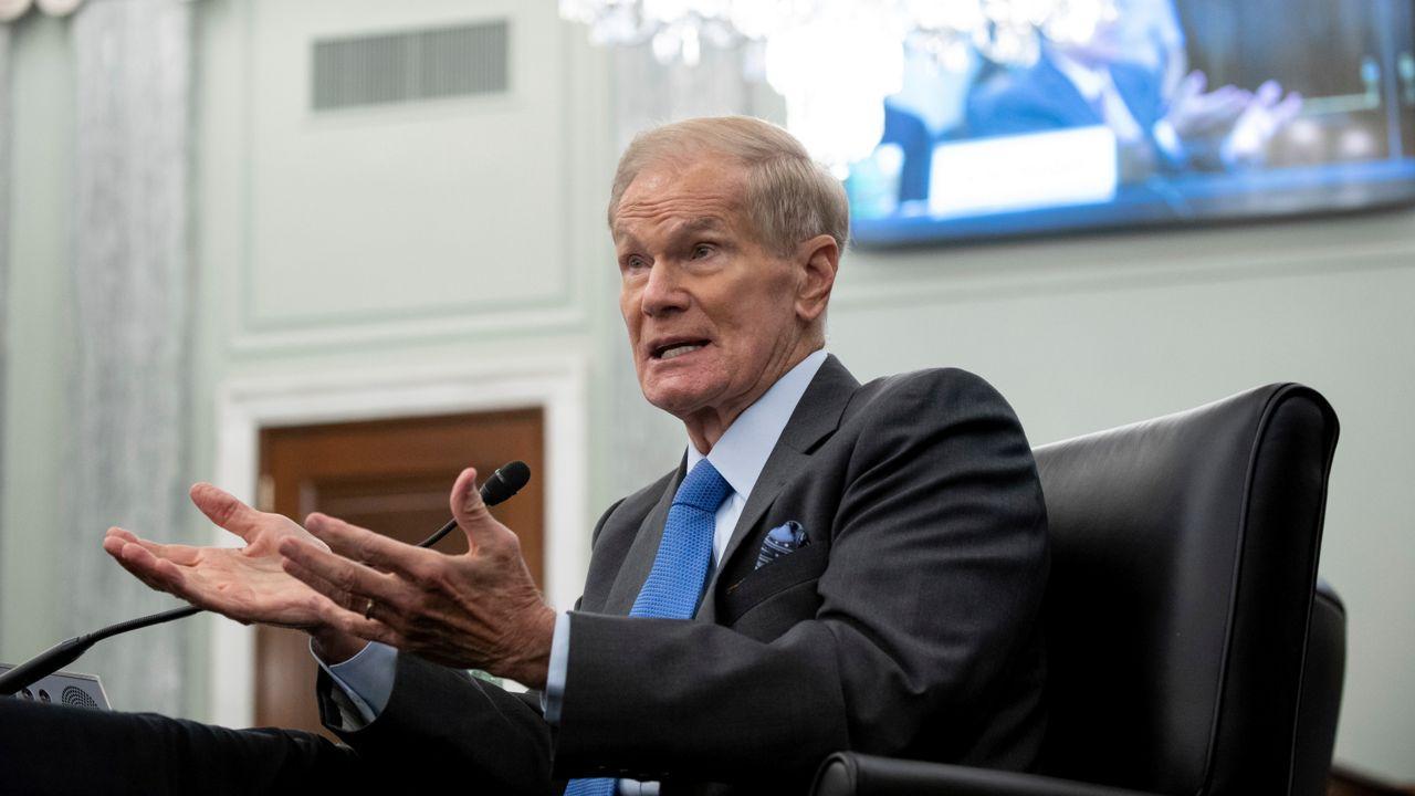 Former Senator Bill Nelson Sworn in as the 14th NASA Administrator_40.1