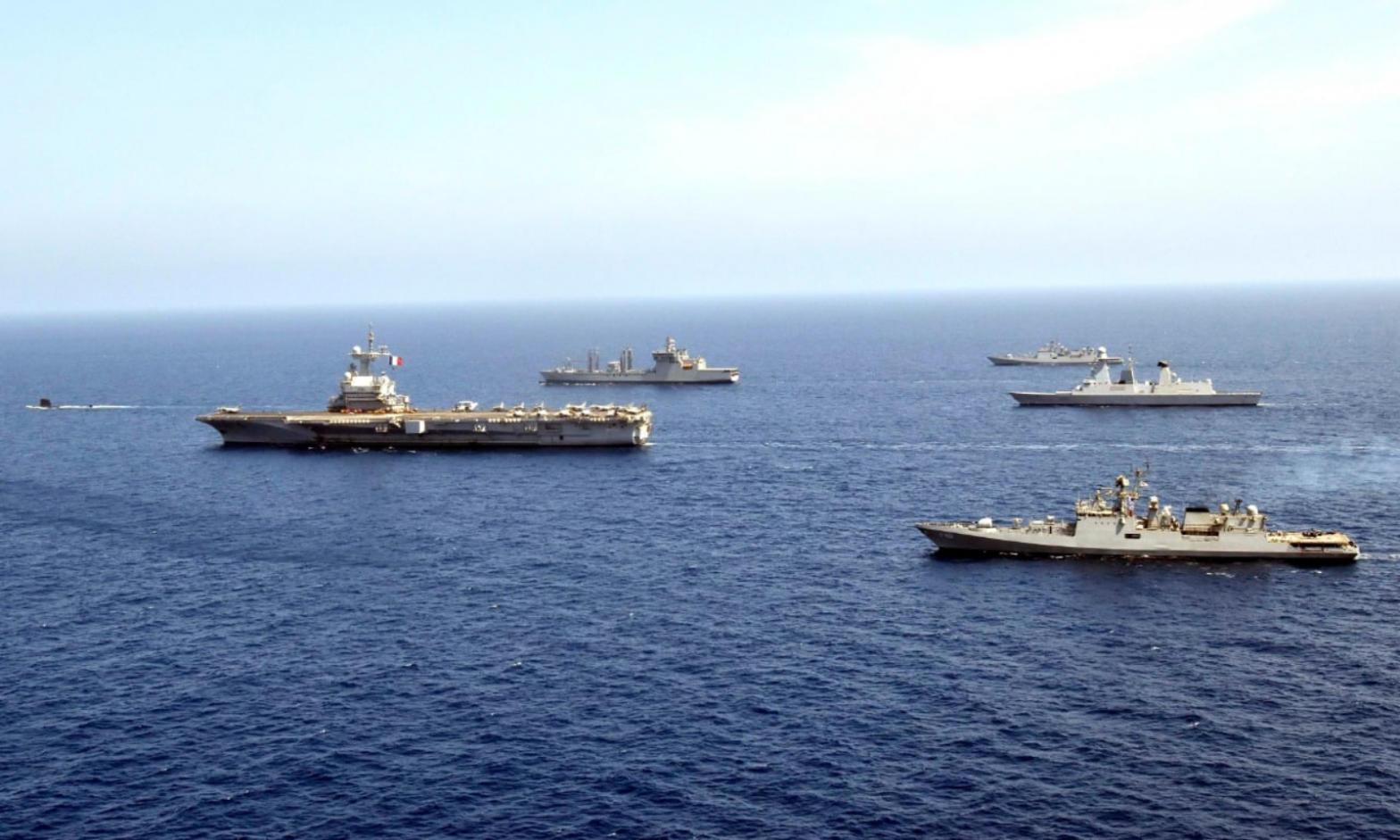 Indian and Indonesian navies conduct exercise in Arabian sea|ভারতীয় ও ইন্দোনেশিয়ান নৌবাহিনী আরব সাগরে মহড়া পরিচালনা করেছে_40.1