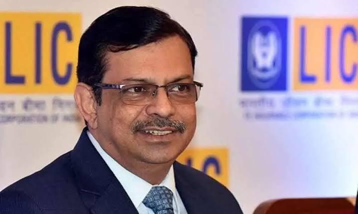 Centre extends LIC Chairman M R Kumar's term till March 2022_40.1