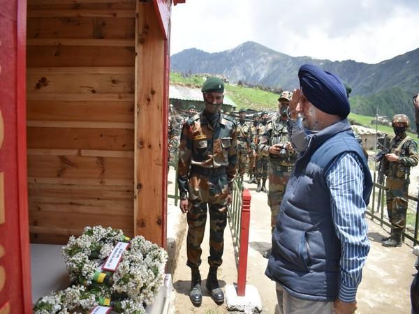 Indian Army Inaugurates War Memorial of Capt Gurjinder Singh Suri I भारतीय सैन्याने कॅप्टन गुरजिंदरसिंग सूरी यांच्या युद्ध स्मारकाचे उद्घाटन केले_40.1