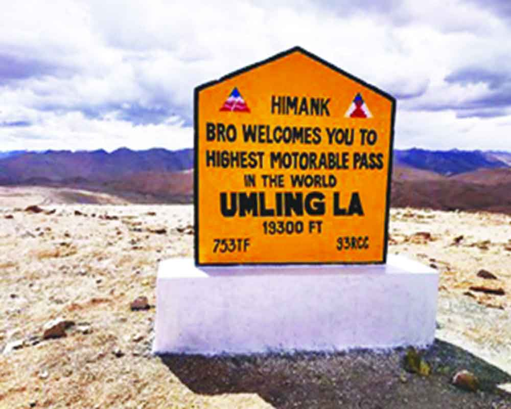 BRO builds world's highest road in Ladakh at 19,300 feet_40.1
