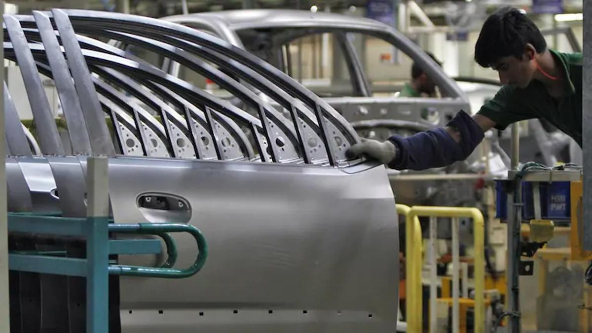 Cabinet approves Rs 26,058 crore PLI Scheme for Auto and Drone Industry_40.1