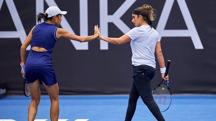Sania Mirza & Zhang Shuai Win Ostrava Open WTA Doubles Title_40.1